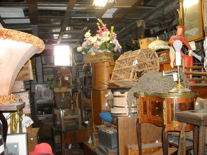 curio endtable, lamps,chairs fern stands